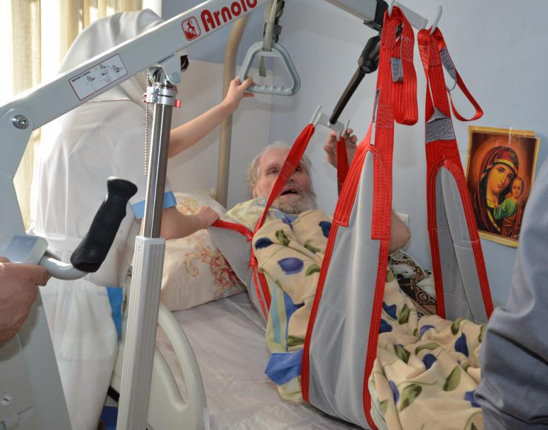 Подъемник лежачих больных своими руками